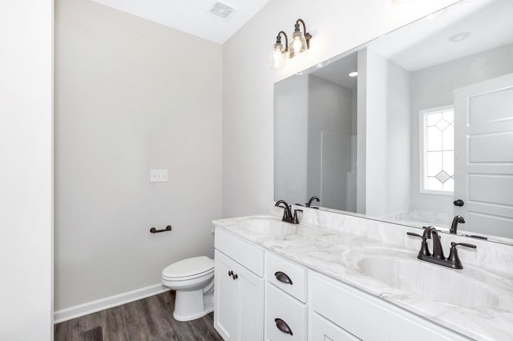 Master bathroom Gallery by Red Door Homes